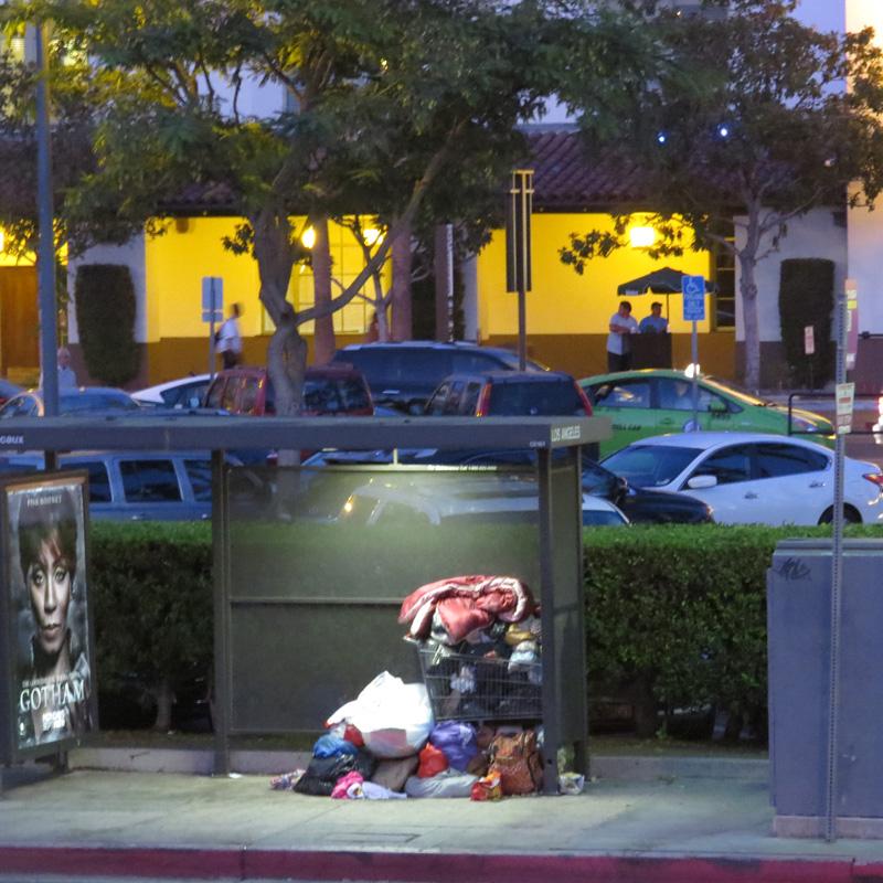 abribus devenu abri-homeless