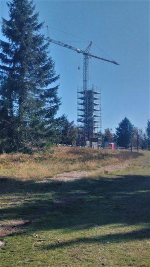 La tour du Champ du feu en cours de reconstruction